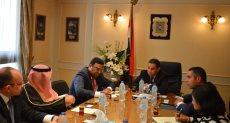 وزير قطاع الأعمال خلال اللقاء