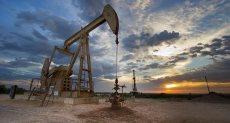 انخفاض سعر النفط عالميا