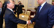 الدكتور على عبدالعال و دونج يونهو رئيس لجنة شنغهاى بالمؤتمر الشعبى الصينى