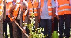 محافظ أسوان يطلق إشارة بدء فعاليات اليوم البيئى