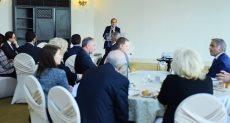وزير التجارة والصناعة يلتقي بالشركات الفرنسية