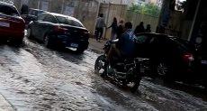 الأمطار تُعطل الحركة المرورية بمدن وقري الشرقية