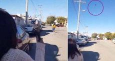مكسيكية تقذف أبنتها بالشبشب