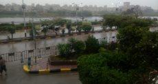 موجة الطقس السيئ وسقوط الأمطار