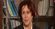الدكتورة نزيهة عاتى الحائزة على جائزة التميز العلمى نكروما