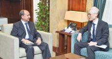 عمرو نصار مع السفير الياباني