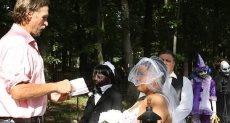 فتاة تتزوج من زومبى