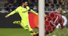 أولمبيك ليون ضد برشلونة