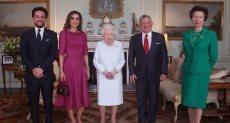 ملكة بريطانيا تستقبل الملك عبد الله