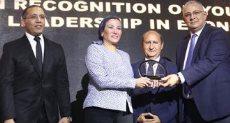 تكريم الدكتورة ياسمين فؤاد بحفل BT100