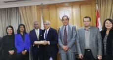 الوفد المصري والهندي خلال الاجتماع