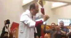 أطباء مستشفى الشيخ زايد يرقصون على أغنية  شيكولاته