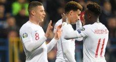 إنجلترا ضد الجبل الأسود