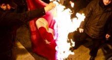 احراق العلم التركى