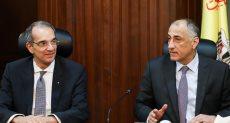 وزير الاتصالات مع محافظ البنك المركزي