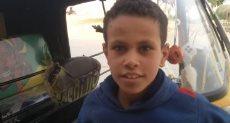 الأسطى أحمد تلميذ ابتدائى ينفق على أسرته