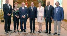 الرئيس خلال استقبال رئيس مجلس الشيوخ الكندى