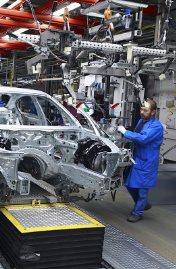 صناعة السيارات - ارشيفية