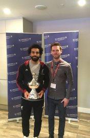 محمد صلاح يتسلم جائزة أفضل لاعب فى الدورى الإنجليزى