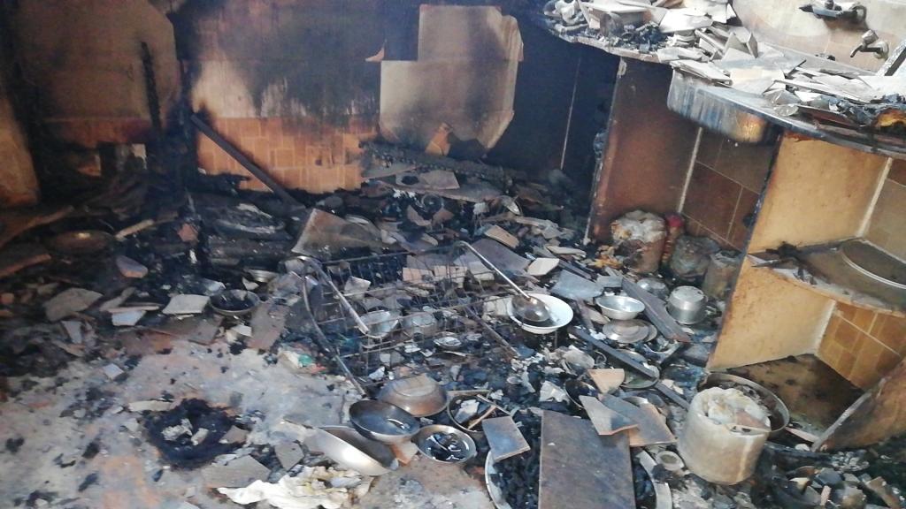 اللقطات الأولى لخسائر حريق الراشدة  (18)