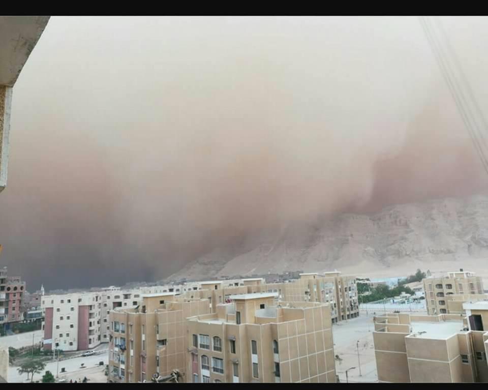 العاصفة الترابية على محافظة سوهاج (2)