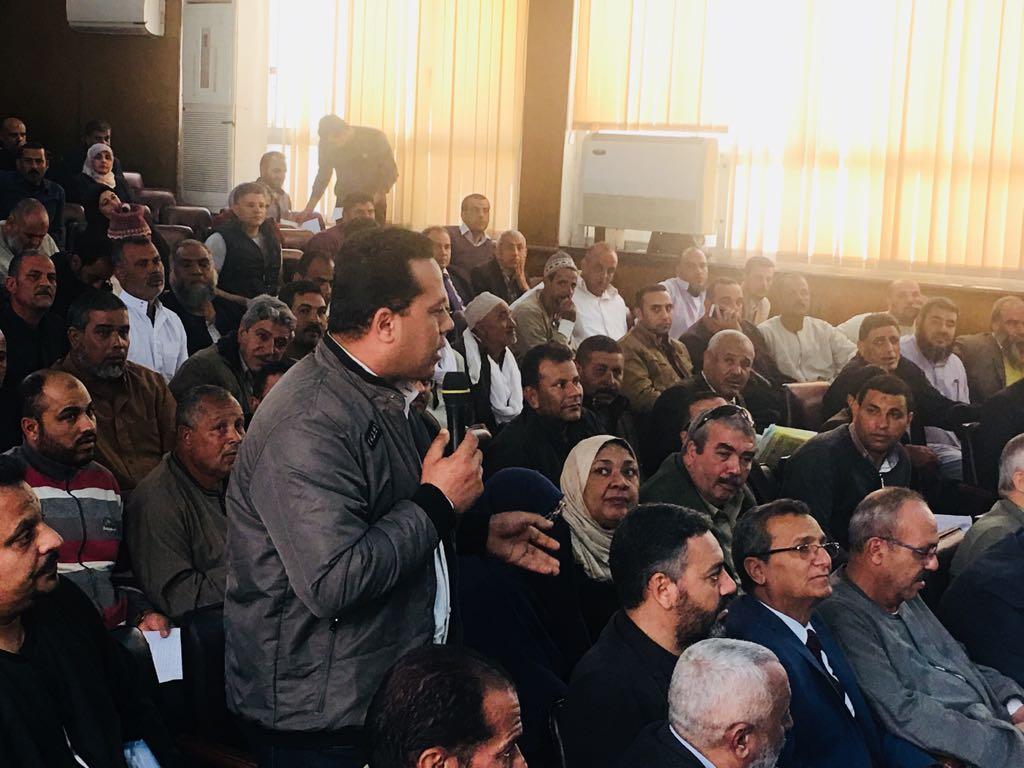 لقاء مع مربي الثروة الحيوانية والسمكية والداجنة في كفر الشيخ مع نائب وزير الزراعة منى محرز (2)