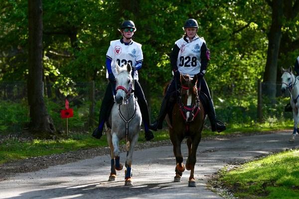 مشاركون في السباق