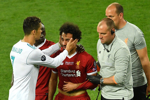 Mo-Salah-suffered-a-shoulder-injury-1344699