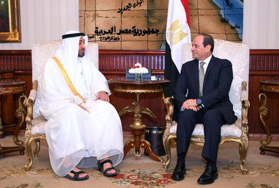 64109-الرئيس-السيسى-يستقبل-محمد-بن-زايد-بمطار-القاهرة-(9)