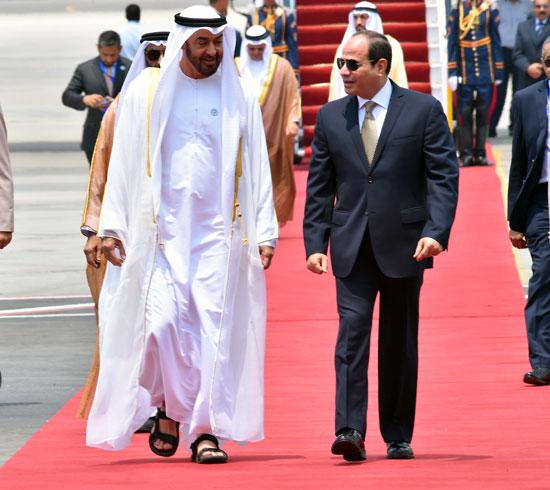 65133-الرئيس-السيسى-يستقبل-محمد-بن-زايد-بمطار-القاهرة-(2)
