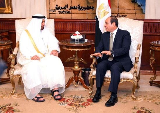 71077-الرئيس-السيسى-يستقبل-محمد-بن-زايد-بمطار-القاهرة-(10)