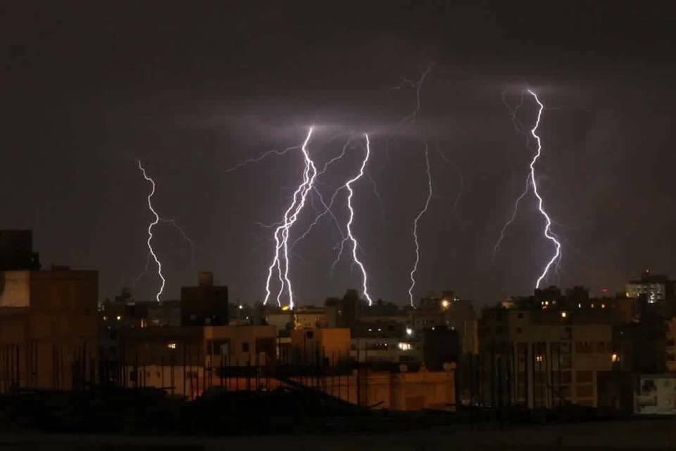 29915-البرق-والرعد-فى-سماء-شرم-الشيخ-(2)