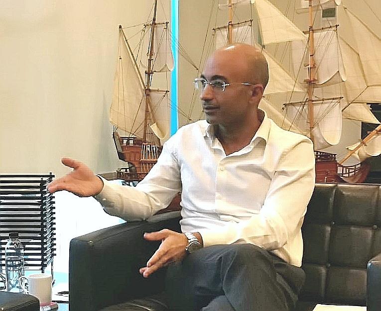 المهندس ياسر شاكر الرئيس التنفيذي لشركة أورنج يتحدث عن تطوير الشبكة