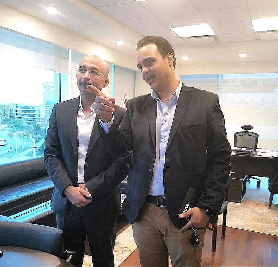 """المهندس ياسر شاكر يشرح لمحرر """"دوت مصر"""" بعض نماذج تقارير جودة الخدمة"""