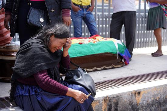 بوليفيا تشيع جثامين ضحايا الاشتباكات (3)
