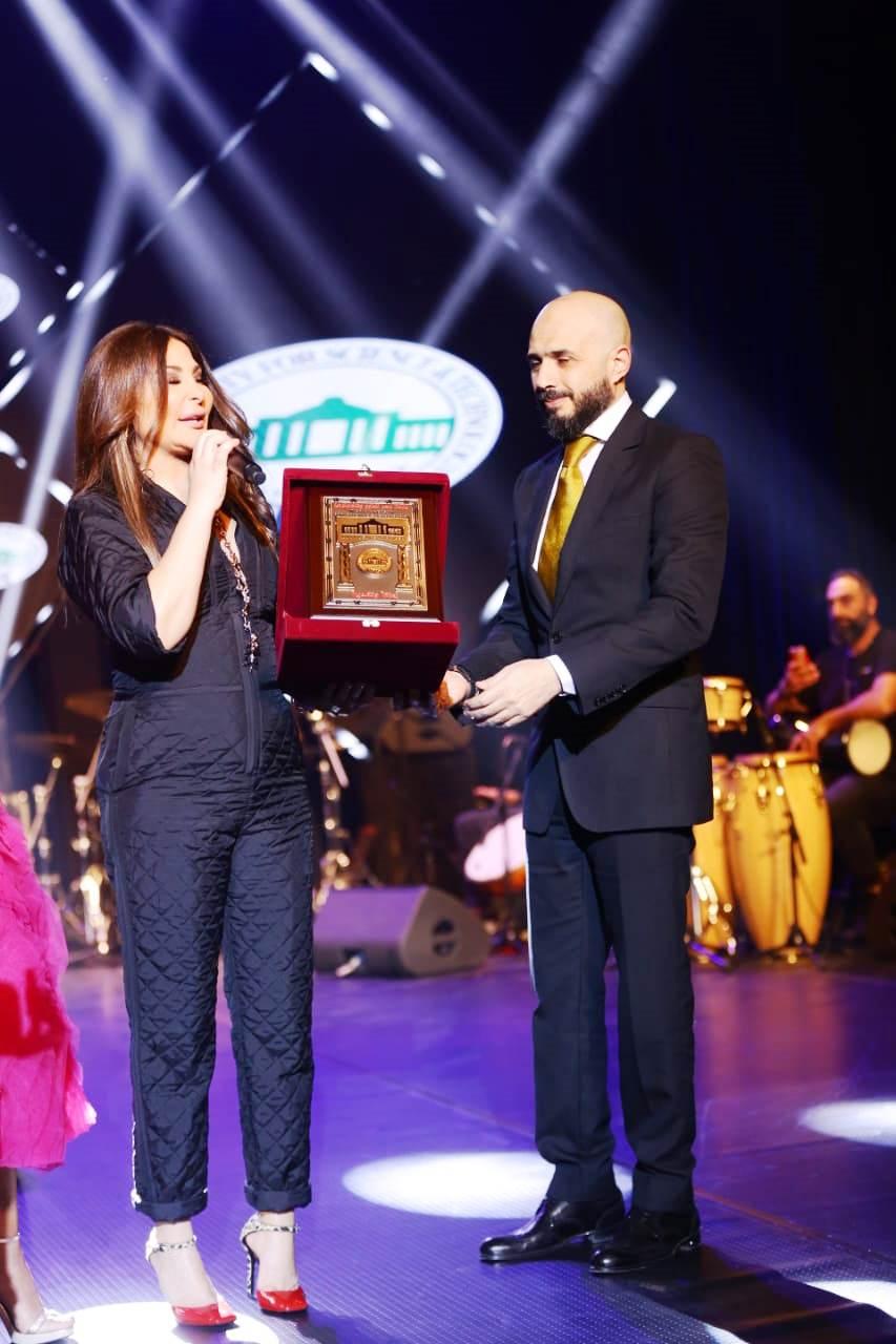 حفل إليسا بأوبرا جامعة مصر  (12)