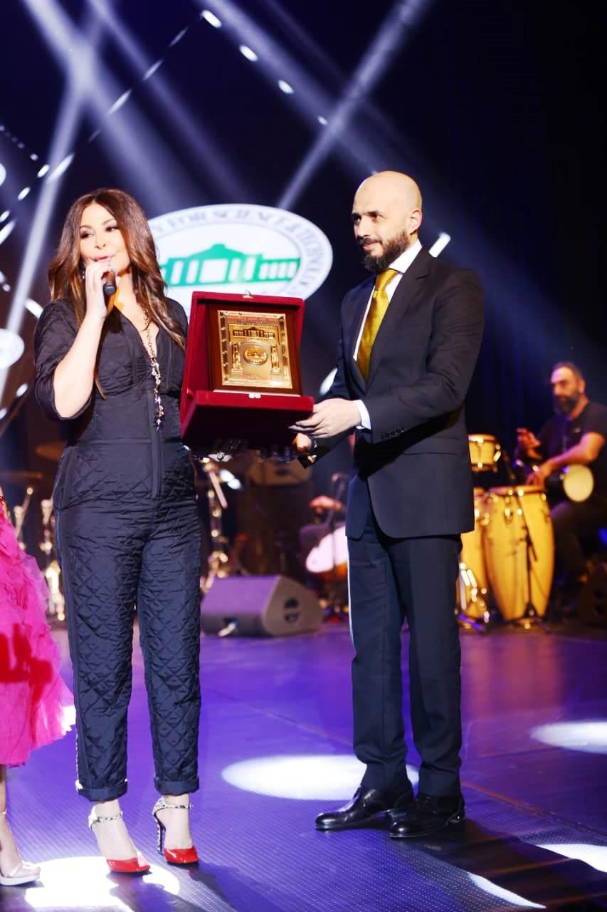 حفل إليسا بأوبرا جامعة مصر  (10)