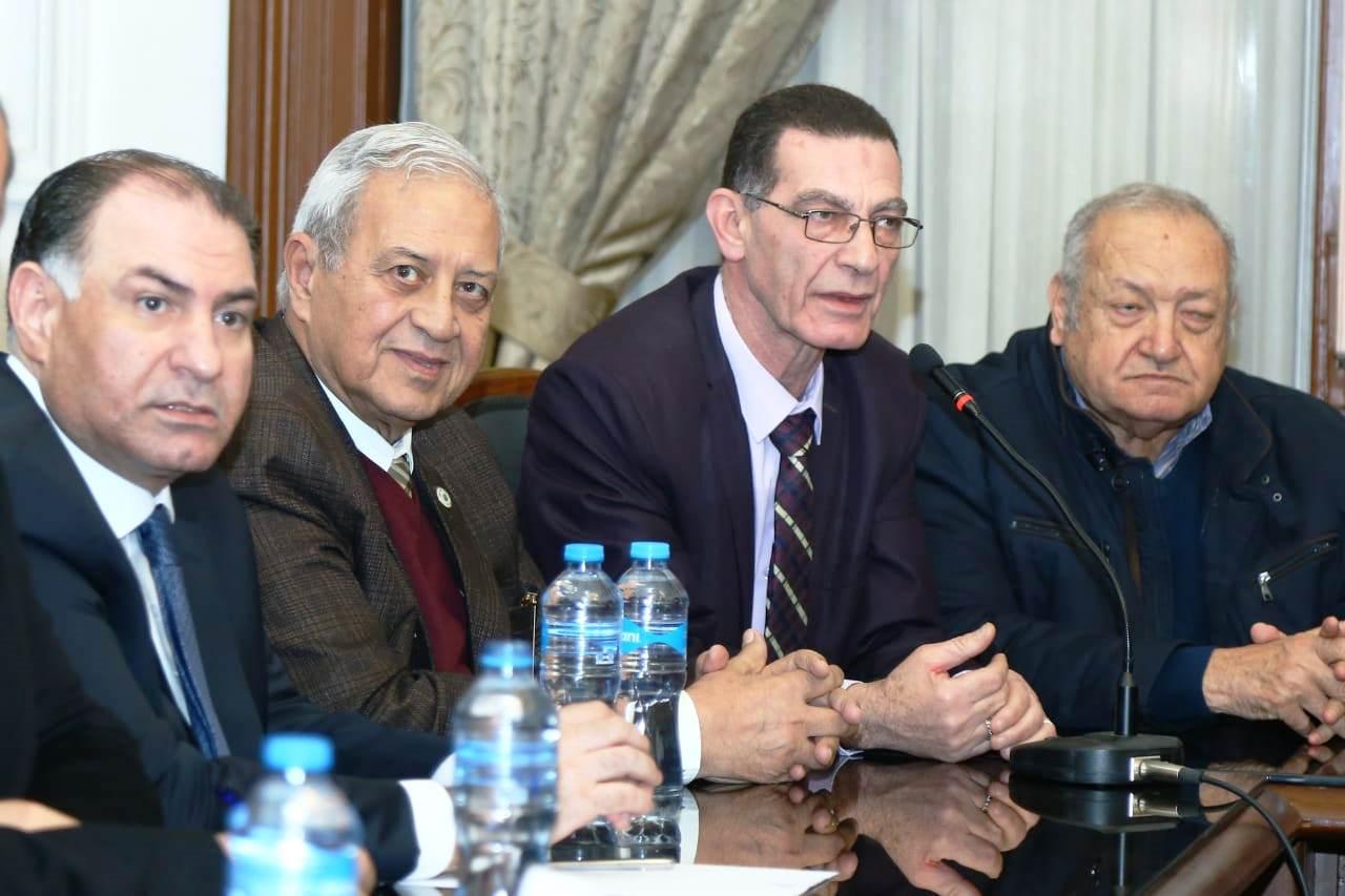 قيادات حزب الوفد تكرم جامعة مصر للعلوم والتكنولوجيا (1)