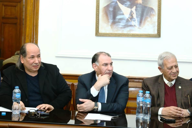قيادات حزب الوفد تكرم جامعة مصر للعلوم والتكنولوجيا (4)