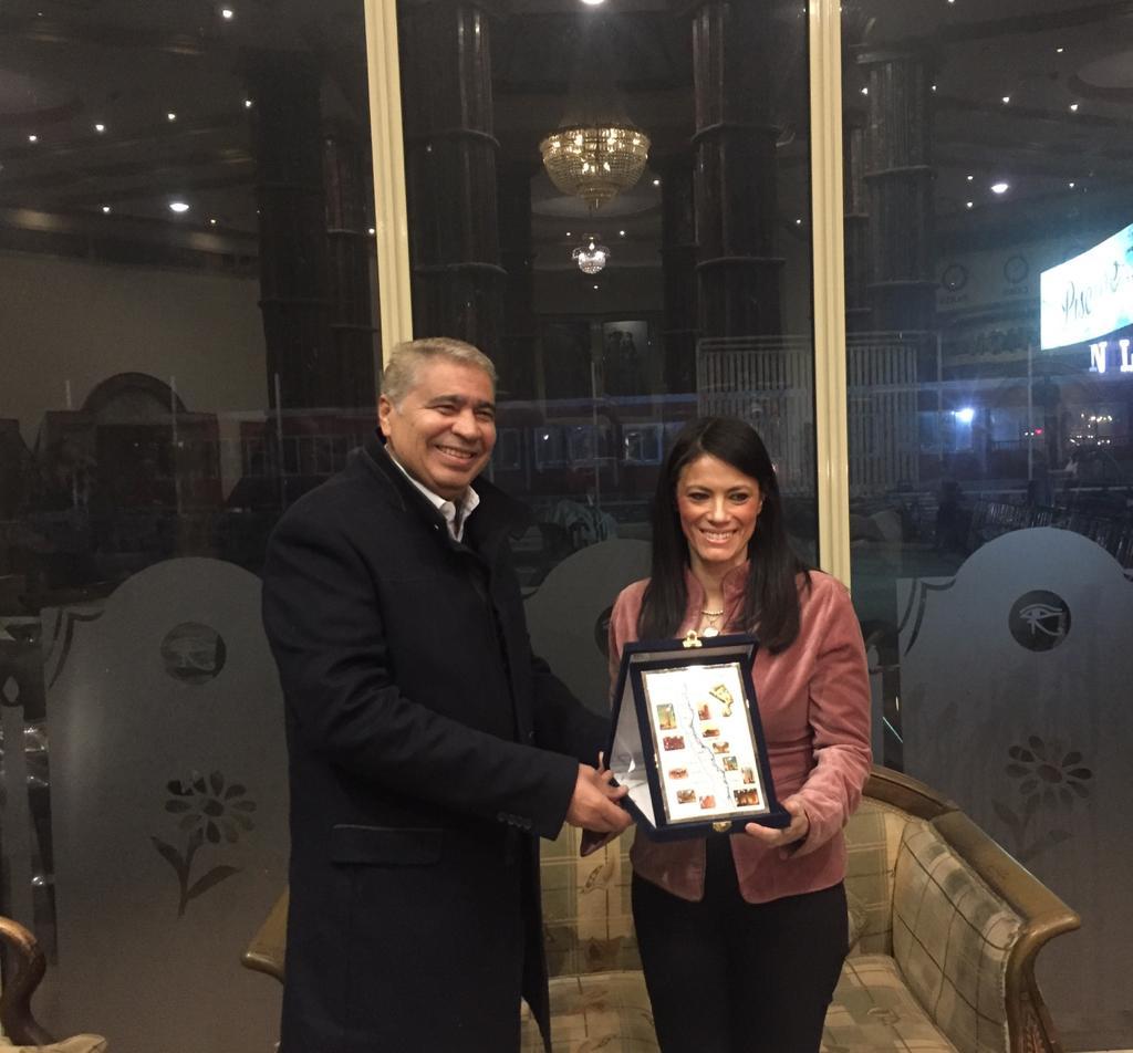 تكريم وزيرة السياحة