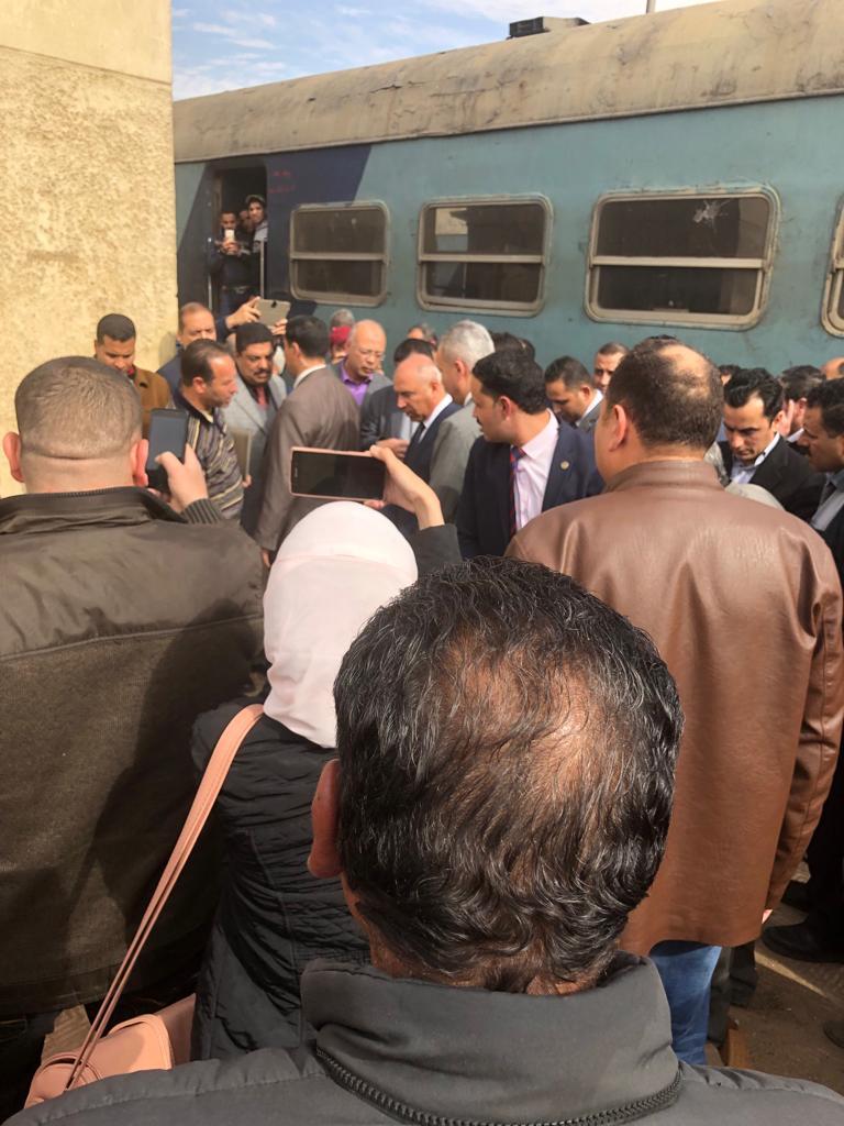 107042-جولة-وزير-النقل-بمحطة-مصر--(18)