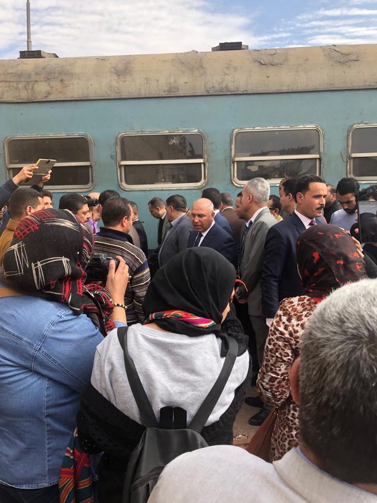 114749-جولة-وزير-النقل-بمحطة-مصر--(4)