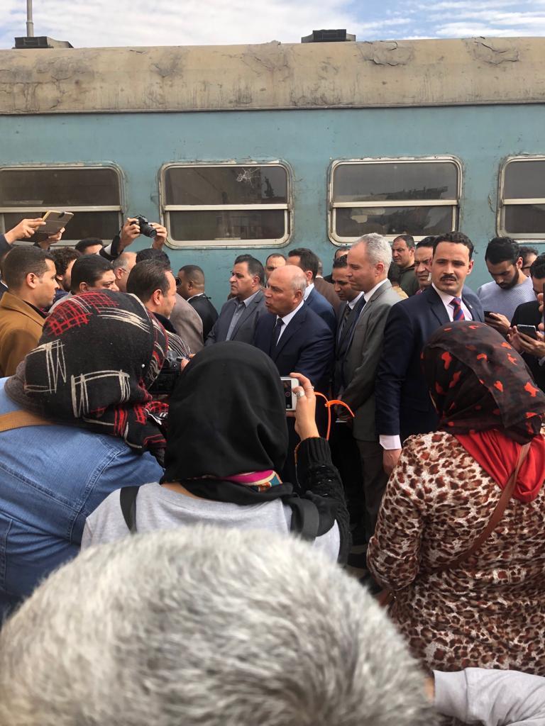 116943-جولة-وزير-النقل-بمحطة-مصر--(6)