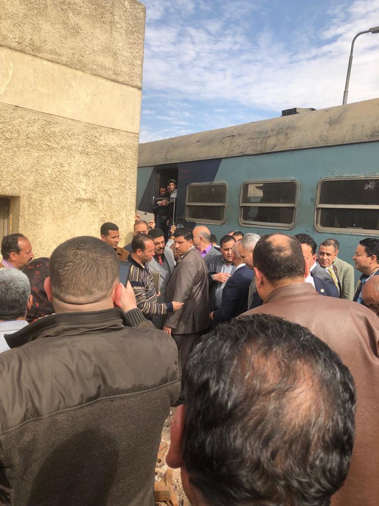 119254-جولة-وزير-النقل-بمحطة-مصر--(17)
