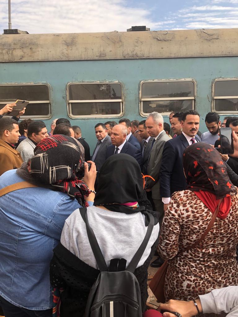 128893-جولة-وزير-النقل-بمحطة-مصر--(5)