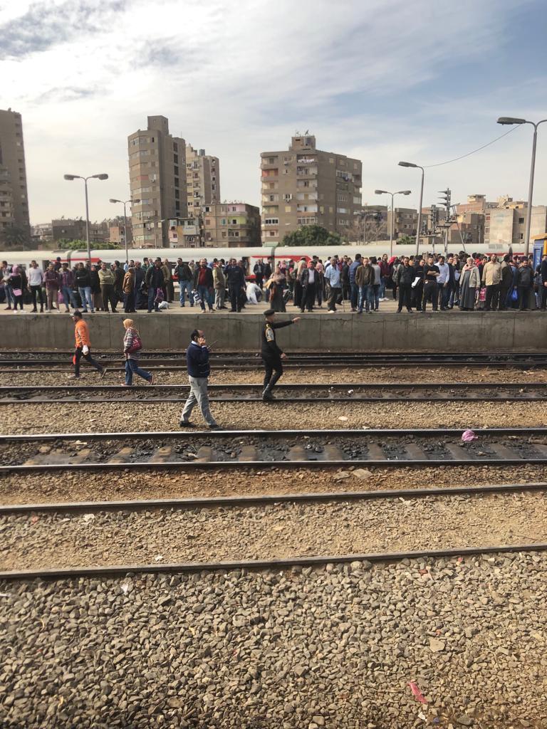 189024-جولة-وزير-النقل-بمحطة-مصر--(11)
