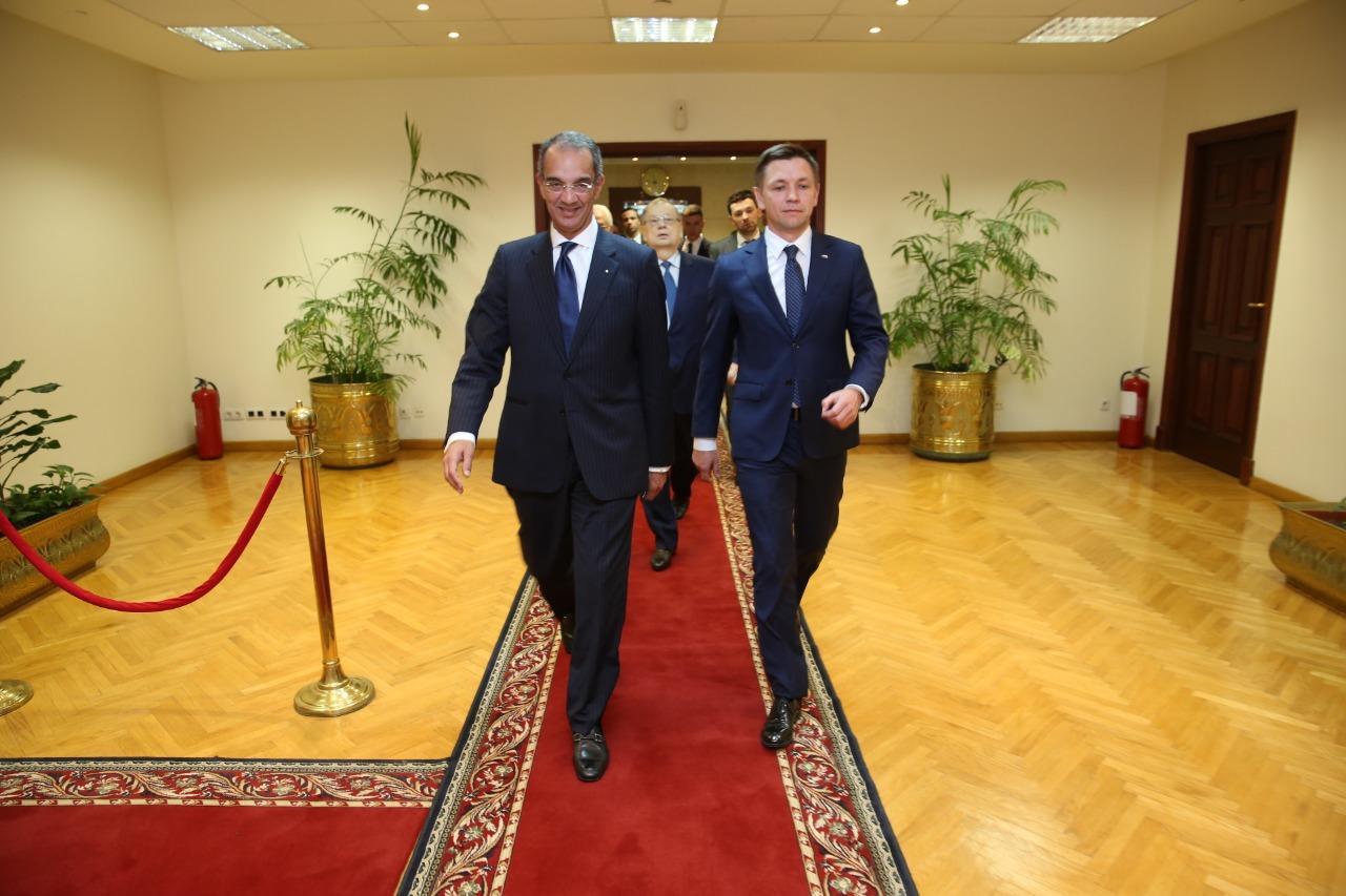 وزير االتصالات المصري يستقبل نظيره الروسي