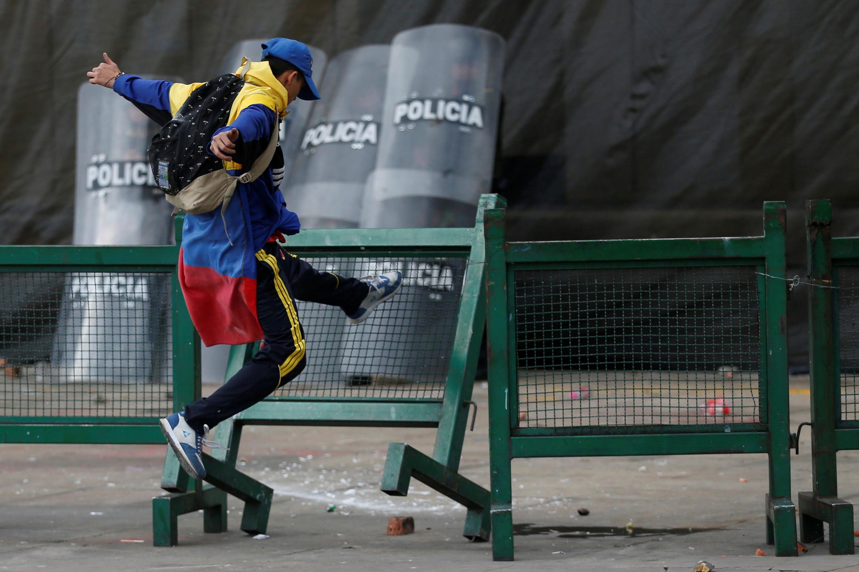 1275206-جانب-من-الاحتجاجات-والعنف-فى-كولومبيا-(4)