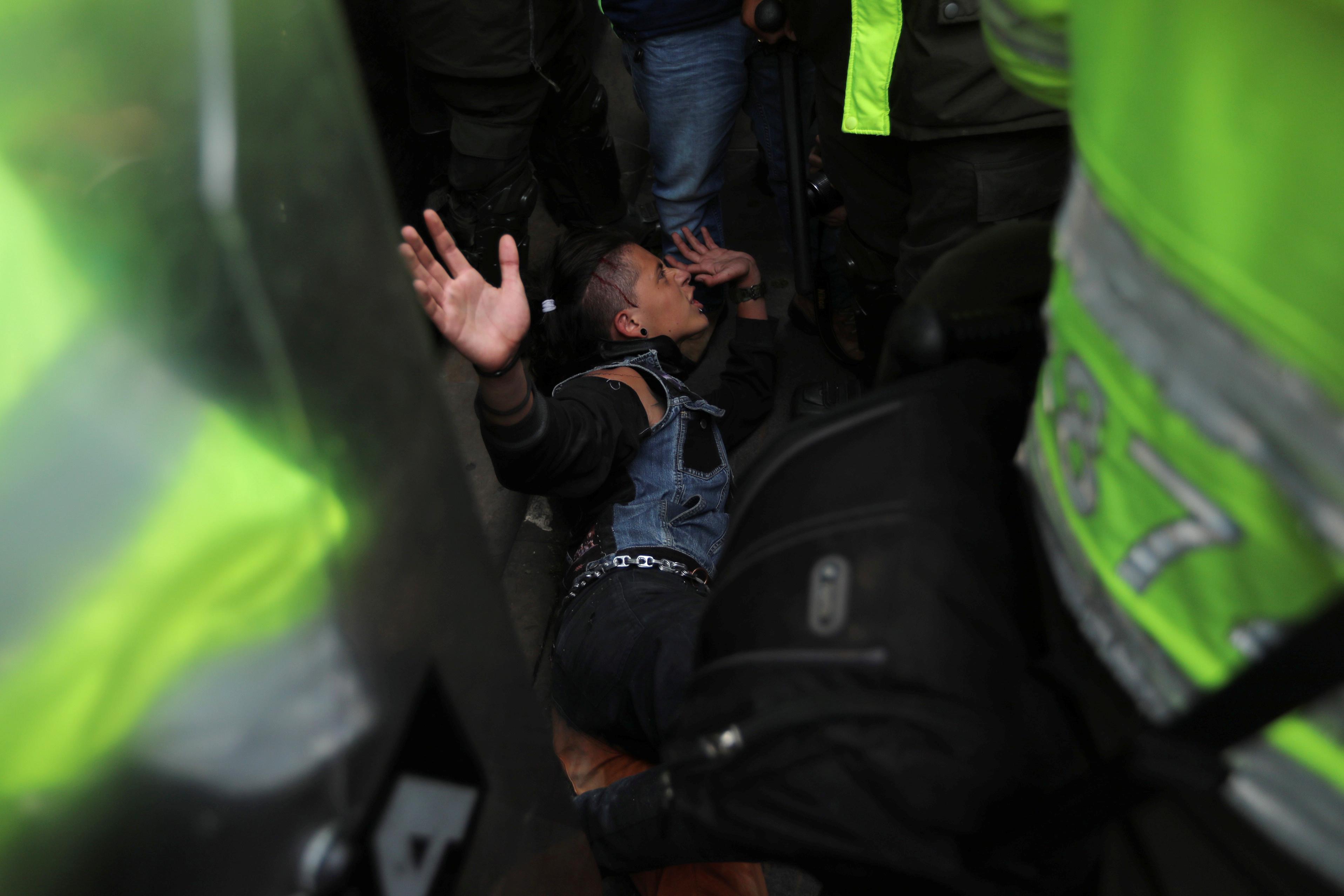 1510812-جانب-من-الاحتجاجات-والعنف-فى-كولومبيا-(2)