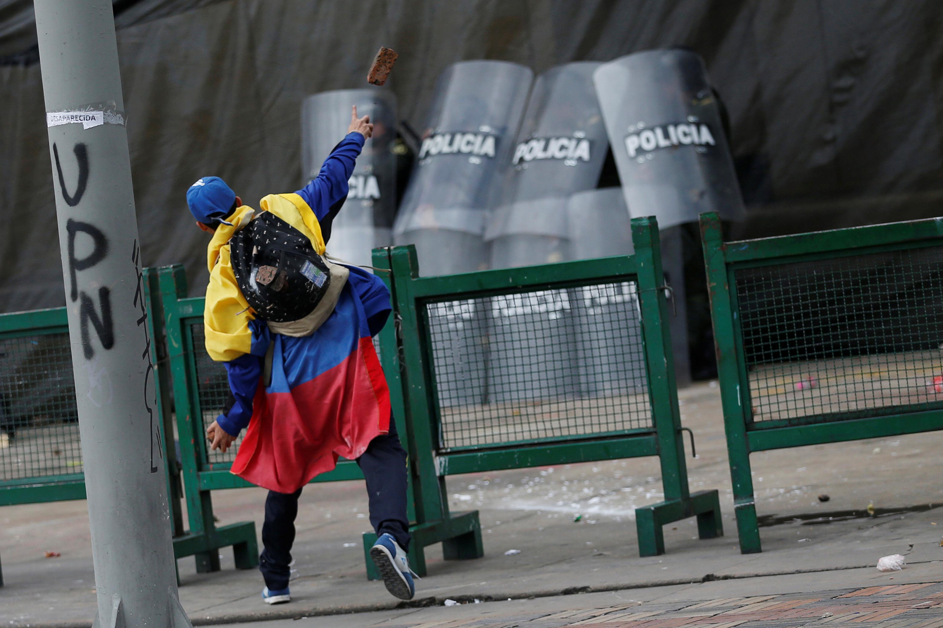 1538856-جانب-من-الاحتجاجات-والعنف-فى-كولومبيا-(6)